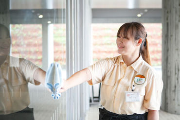 エヌビーエス株式会社 ※勤務地:伏見のオフィスビルの画像・写真
