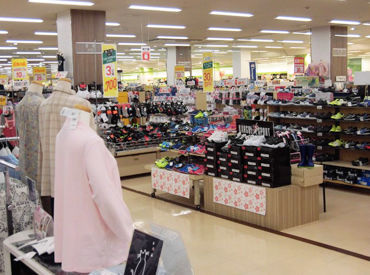 アピタ蒲郡店の画像・写真