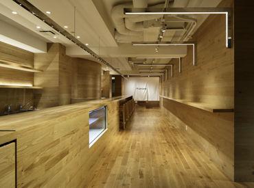 FLUX CAFE 田町店 ※昨年11月オープンの画像・写真