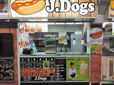 J.Dogs 【勤務地:明治神宮球場】の画像・写真