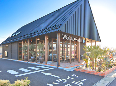 WORLD CAFE 甲府昭和店の画像・写真