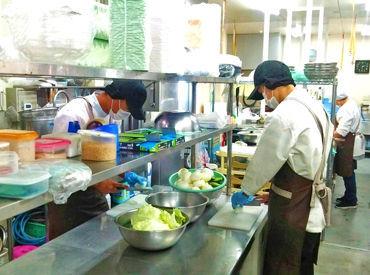 大阪惣菜株式会社 ※勤務地:コープ鴨方店の画像・写真