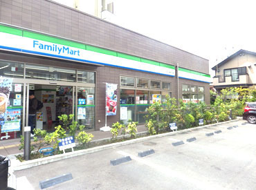 ファミリーマート品川中延四丁目店の画像・写真