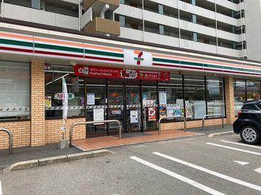 セブンイレブン 筑紫野俗明院店の画像・写真