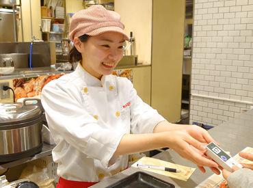 中華麺キッチン スーラーメン まくり 福岡空港店の画像・写真